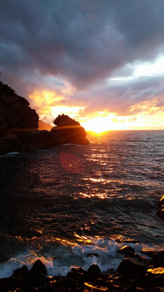 Sonnenuntergang im Hafen von Porto