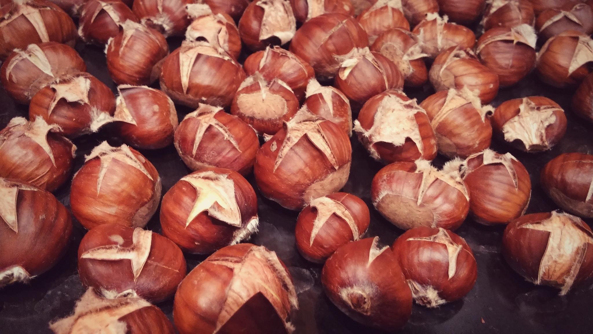 Geröstete Kastanien aus dem Backofen